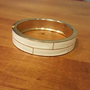 Cream and Gold Geometric Clasp Bracelet